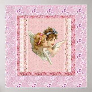 Ángeles en fondo florecido rosado poster