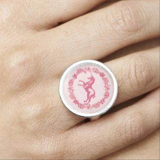 Anillo Unicornio rosado y flores