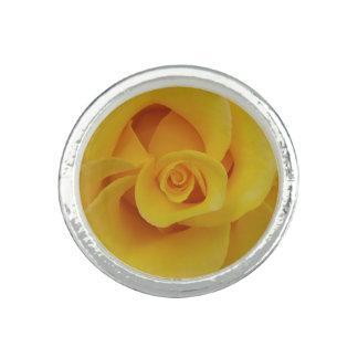 Anillos Pétalos color de rosa amarillos románticos