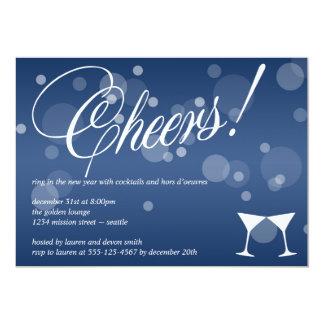 Anima el azul de martini deslumbran la celebración invitación 12,7 x 17,8 cm