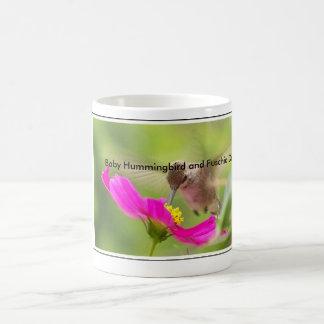 Animal de la fauna del pájaro del colibrí floral taza de café