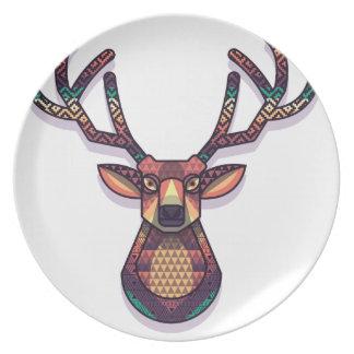 animal de los ciervos con los cuernos plato