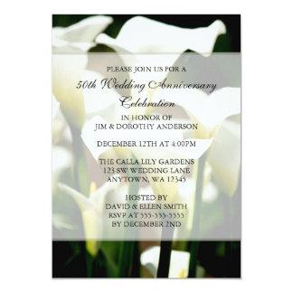 Aniversario de boda blanco elegante de la cala invitación 12,7 x 17,8 cm