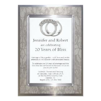 Aniversario de boda de los anillos del platino invitación 12,7 x 17,8 cm