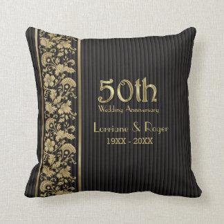 Aniversario de boda floral de la elegancia 50.a cojín decorativo