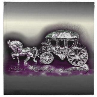 Aniversario de bodas de plata con un coche de plat servilleta