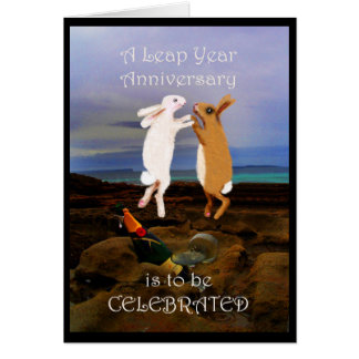 Aniversario del año bisiesto, dos conejos de salto tarjeta de felicitación