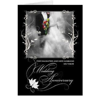 Aniversario del boda de la hija blanco y negro tarjeta de felicitación