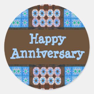 Aniversario feliz de Brown de la turquesa Pegatina Redonda