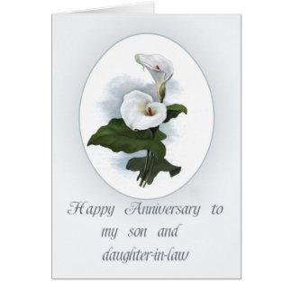 Aniversario para el hijo con las calas tarjeta de felicitación