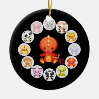 Año chino del zodiaco del dragón adorno navideño redondo de cerámica