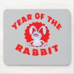 Año divertido del conejo del dibujo animado de los alfombrilla de raton