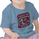 Año nacido de la serpiente camisetas