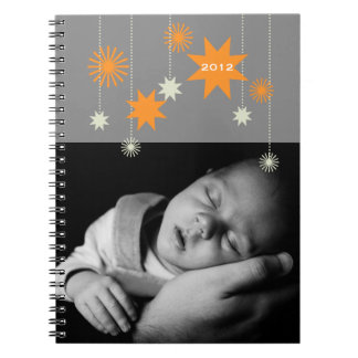 Año Nuevo de la chispa moderna gris anaranjada de  Libretas Espirales