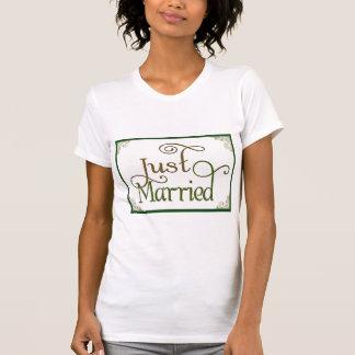Apenas casado en fuente de la diversión del camisetas