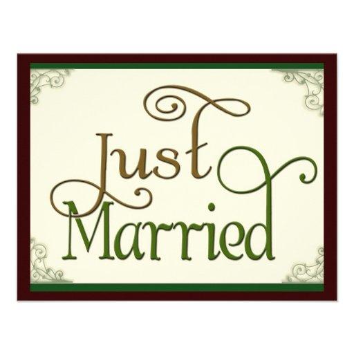 Apenas casado en fuente de la diversión del remoli invitación