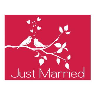 Apenas invitación rosada casada del boda de los postal