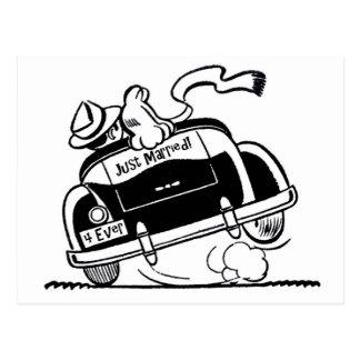 Apenas pares casados en coche postal