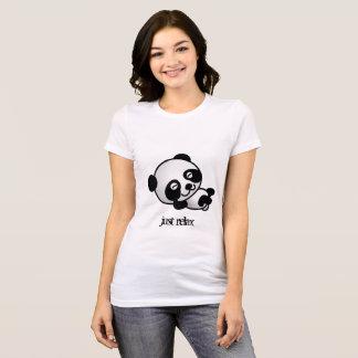 Apenas relaje la camisa de la panda