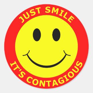 Apenas sonrisa es contagioso etiquetas