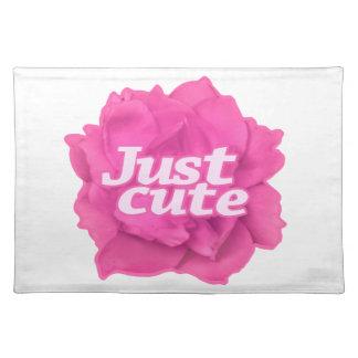 Apenas texto lindo sobre color de rosa rosado salvamanteles