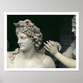 Apolo tendió al lado de las ninfas, el mostrar del póster