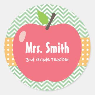 Explora nuestra colección de pegatinas para profesores y personalízalas con tus colores, diseños o estilos favoritos.