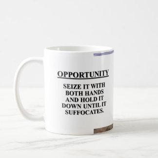 Aproveche la oportunidad con ambas manos y mátele taza básica blanca