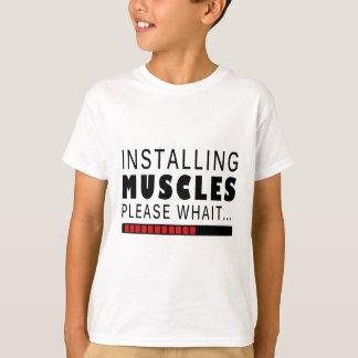 Aptitud y músculos del gimnasio camiseta
