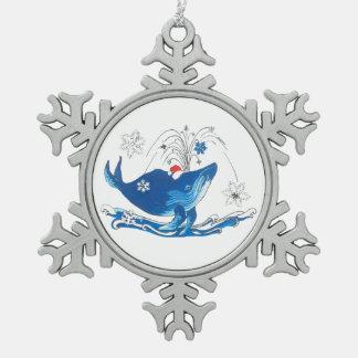 Árbol caprichoso de la ballena jorobada linda del adorno de peltre tipo copo de nieve
