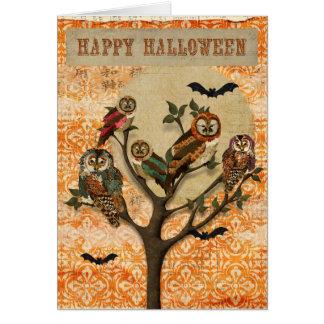 Árbol de la tarjeta de Halloween de los búhos