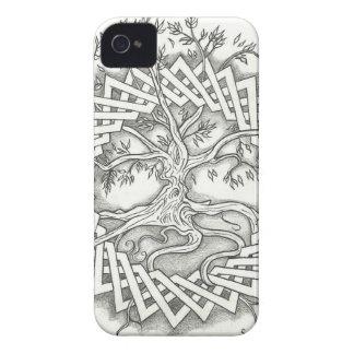 Árbol de la vida en diseño céltico Case-Mate iPhone 4 protectores
