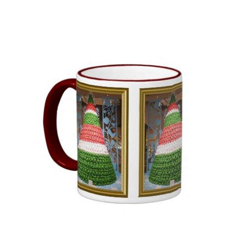 Árbol de navidad, decoración estilizada tazas de café