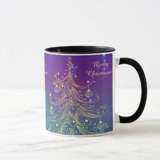 Árbol de navidad del oro y ornamentos brillantes taza