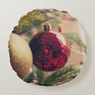 Árbol de navidad y decoración cojín redondo