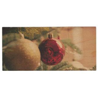 Árbol de navidad y decoración memoria USB de madera