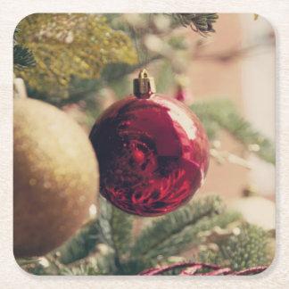Árbol de navidad y decoración posavasos de papel cuadrado