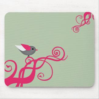 Árbol del vector con el pájaro alfombrilla de ratón