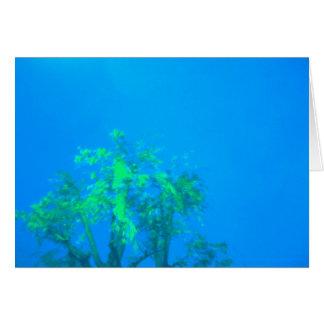 árbol en azul tarjeta de felicitación