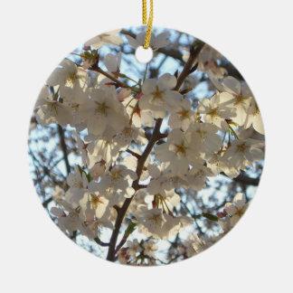Árbol floreciente de la primavera de las flores de adorno redondo de cerámica