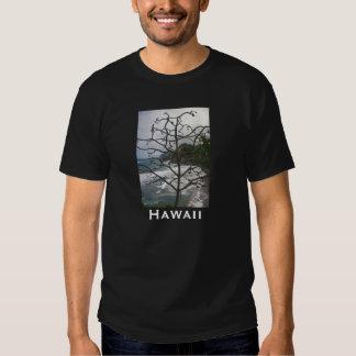 Árbol hawaiano muerto camiseta
