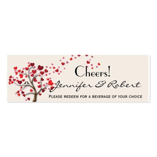 Árbol rojo del corazón en el boleto de marfil de l plantillas de tarjetas de visita