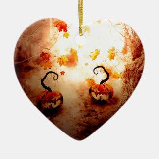 Árbol y calabaza fantasmagóricos adorno navideño de cerámica en forma de corazón