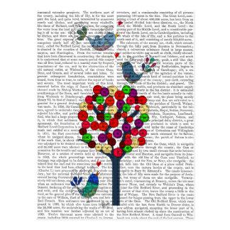 Árbol y pájaros de botón azules postal