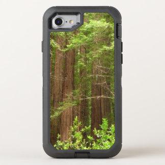 Árboles de la secoya en el monumento nacional de funda OtterBox defender para iPhone 8/7