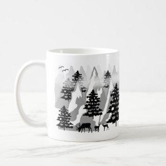 Árboles forestales rústicos de la montaña del taza de café