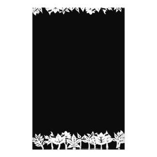 Árboles y plantas de madera artísticos en una folleto 14 x 21,6 cm