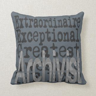 Archivista Extraordinaire Cojín Decorativo
