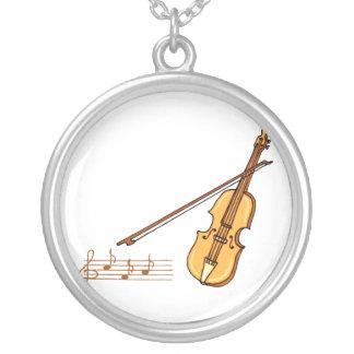 Arco de violín y personal de la música en gráfico  collar plateado