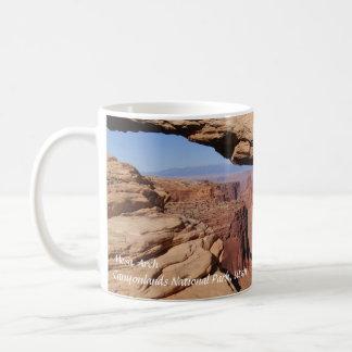 Arco del Mesa en la taza de café de Canyonlands NP